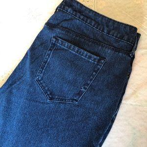 Jones New York Knit Jean Size 12